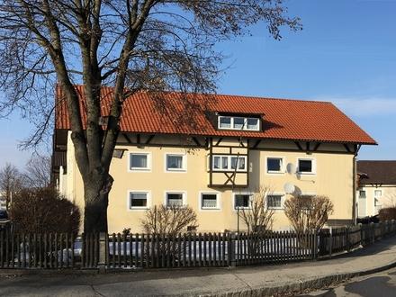 Großzügige Dachgeschosswohnung mit reichlich Stellfläche - zentral gelegen