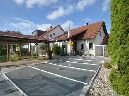 Großzügiges Einfamilienhaus mit Wintergarten und beheizbarerm Pool in Dietenheim