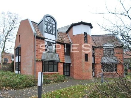Wohnen im Grünen: Moderne, renovierte 3-Zimmer-Wohnung mit Balkon