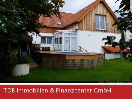 Zweifamilienhaus mit Außenpool in SZ-Thiede!