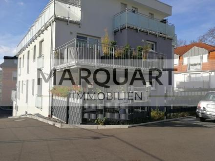 Barrierefreie, neuwertige Terrassenwohnung mit Einbauküche, Stellplatz, Keller