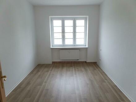 WG's aufgepasst: Wohnung mit zwei gleich großen Zimmern und Balkon in Uninähe