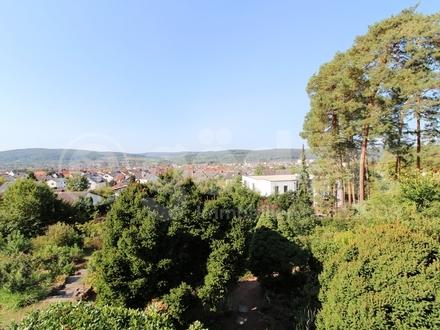 Bungalow mit Einliegerwohnung in bevorzugter Wohnlage mit einmaligem Panorama-Ausblick!
