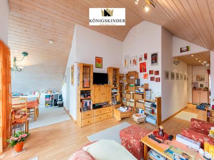 Pfiffige 3 Zi-DG-Wohnung, tolle hohe Räume mit EBK, Tiefgarage + Stellplatz, 2 Balkone, HM-Service