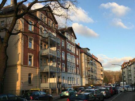 ERSTBEZUG nach Dachgeschossausbau - Lichtdurchflutete 3 Zimmerwohnung mit Dachterasse im östl. Ringgebiet