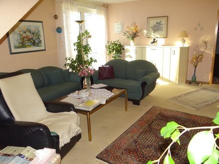 4 Zimmer-Maisonette-Wohnung mit Balkonen und Blick ins grüne Weiherhof