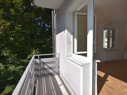 HALLEIN / 3-Zimmer-Balkonwohnung / NEUAUSSTATTUNG