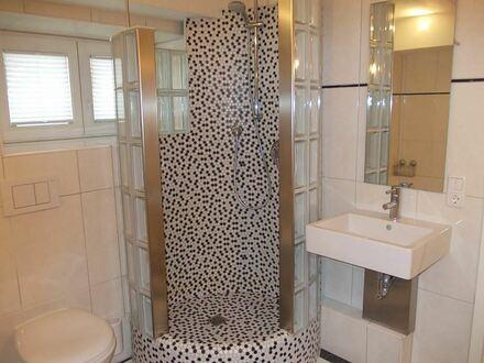 *Wohnen in einer Jugendstil-Villa: Etwas ganz Besonderes: loftähnliche EG-Garten-Wohnung, Tiere ok,... in zentraler Wohnlage*