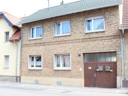 1-2-Familienhaus mit Innenhof, Garage u. Nebengebäude