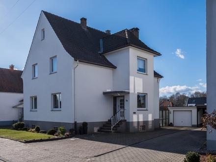 Ein Haus mit viel Potenzial - solides Ein- bis Zweifamilienhaus in Bielefeld-Jöllenbeck