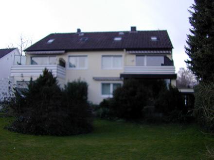 gepflegte 3-Zimmer-Mietwohnung mit Einbauküche in zentraler, ruhiger Lage mit Blick ins Grüne