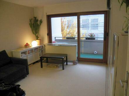 Helle 3-Zimmer-Wohnung mit zwei Balkonen in Stuttgart-West
