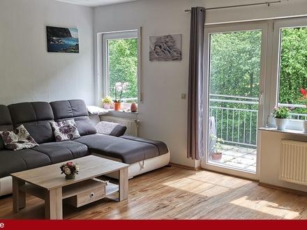 Moderne DG-Wohnung mit Aussicht auf Wald, Tal und Wiesen