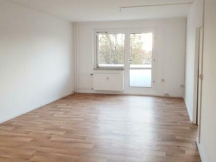 Mit einem 750 EUR Mediamarktgutschein* in Ihrer neuen 2 Raum Wohnung ins Frühjahr starten