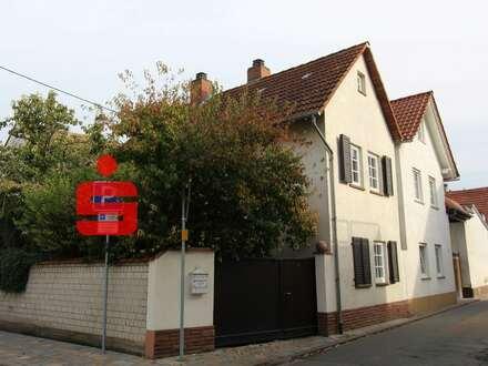 Gepflegtes Haus mit Ausbaupotenzial in zentraler Ortslage