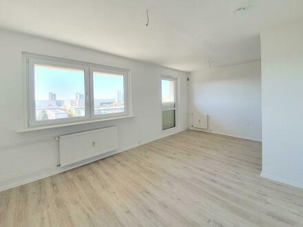 Moderne 3 Raum-Wohnung mit kleinem Büro und wunderschönem Ausblick