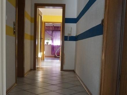 *** 4 Zimmer-Dachgeschoss-Wohnung***