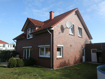 EFH Baujahr 2004: 5 Zimmer, 2 Bäder, Kaminofen uvm.