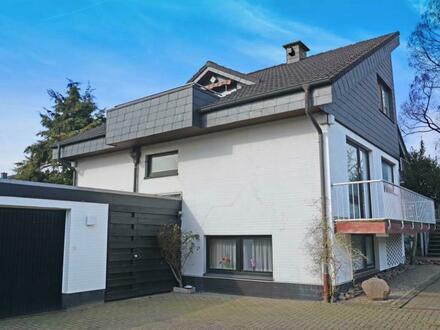 Sie brauchen Platz? Wohnhaus mit Einliegerwohnung und Doppelgarage in Oldenburg-Eversten
