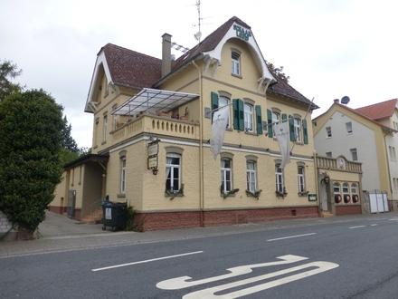 Historisches Wohn- und Geschäftshaus mit beliebter Traditionsgaststätte