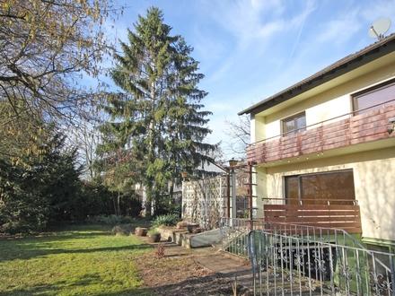 180 m²-Haus + 40 m² Dachreserve + 120 m² Anbauoption! Großfamilienhaus in familienfreundlicher Lage