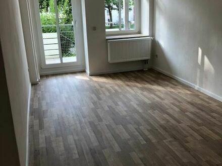 +++Erstbezug nach komplett Renovierung+++ Kleine gemütliche Wohnung mit Südbalkon