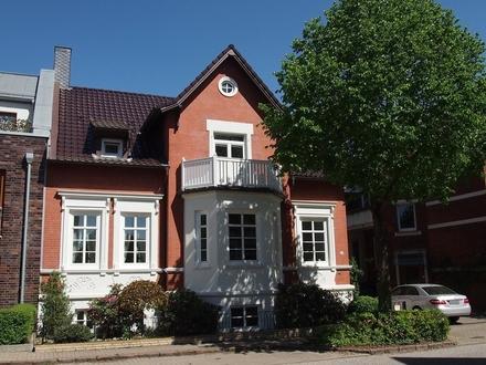 sehr schönes, im Jugendstil errichtetes Einfamilienhaus im Zentrum von Itzehoe