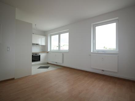 Am Rand von Nietleben! 4-Raum-Wohnung mit 97 m² Wohnfläche und Balkon zu vermieten...