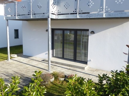 Barrierefreie 3 Zimmer-Erdgeschoss-Wohnung mit Gartenanteil