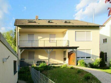 Praktische Dachgeschosswohnung in sehr ruhiger Lage mit Gartenanteil