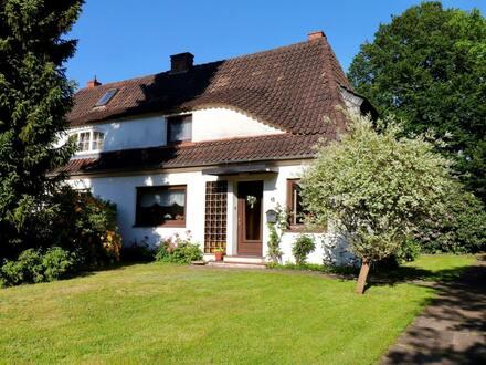 Doppelhaushälfte mit traumhaften Grundstück und Garage in gewachsener Wohnlage von St. Magnus