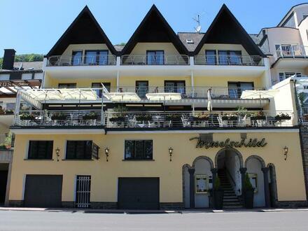 Umsatzstarkes Familienhotel mit exklusivem Restaurant in TOP-Lage an der Mosel!