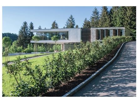 Moderne Architektur in Alleinlage