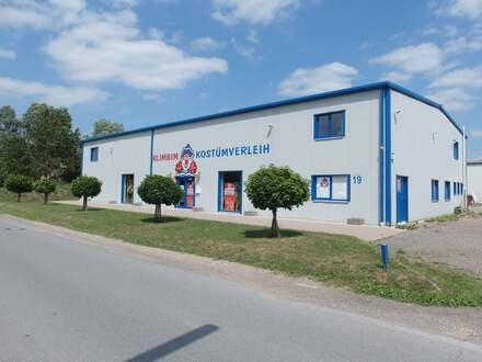 Bereit für Ihre Unternehmungen - Halle im Gewerbegebiet Eidinghausen