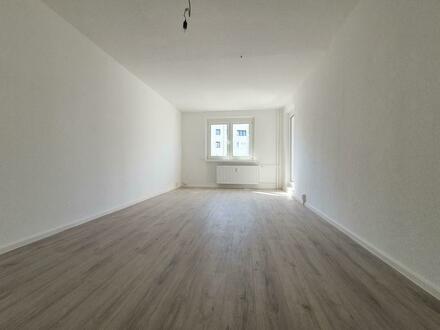 **Anschauen, einziehen, wohlfühlen!** - Renovierete 3-Raum-Wohnungen mit Charme. + 750 EUR Gutschein*!