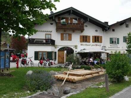 Kleines Bayrisches Wirtshaus, Mittenwald, historischer Ortskern