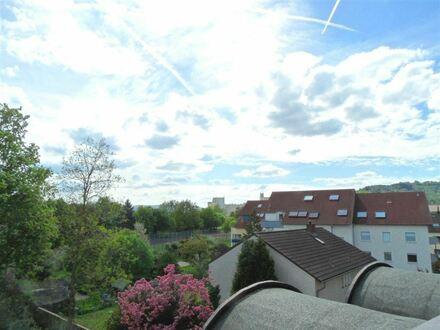 METEOR IMMOBILIEN : ...mit sonniger Dachterrasse und viel Licht...