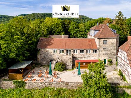 Gut erhaltene Burganlage aus der Stauferzeit als Privatdomizil oder Hotel mit Restaurant