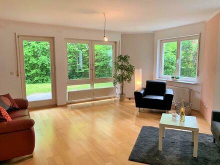 Schicke 2,5 Zimmer EG-Wohnung mit Hobbyraum