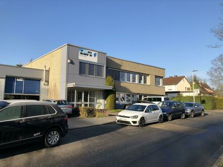 Büroetage im DG in zentraler Lage von Eschborn! Provisionsfrei!
