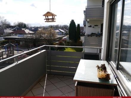 Wunderschöne, helle 3 1/2 Zimmer-Wohnung mit Sonnenbalkon