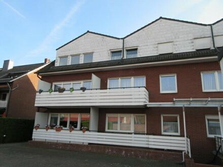 top Dachgeschoßwohnung mit guter Ausstattung in ruhiger zentraler Ortslage.