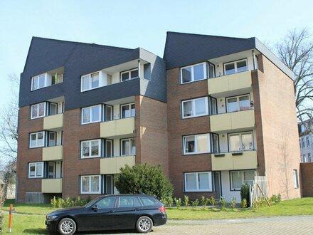 5860 - 2-Zimmer-Wohnung mit Loggia und Personenaufzug zu vermieten (Neue Straße 15)