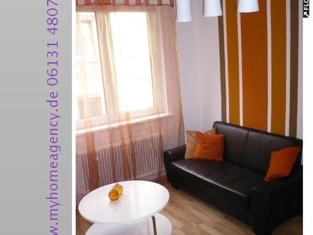 liebevoll und modern möblierte 3 Zimmer Wohnung in MZ Altstadt mit Internet