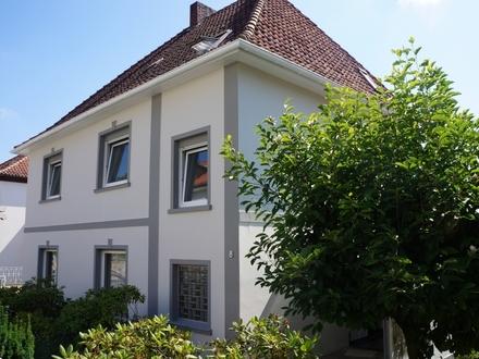 So leben wir gerne! Zweifamilienhaus mit Gartenparadies
