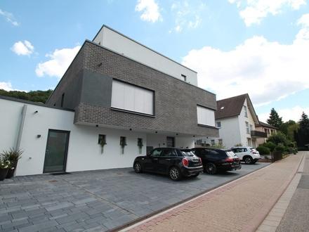 Erstbezug: Exclusive Penthouse-Wohnung mit großer Dachterrasse in Annweiler zu vermieten