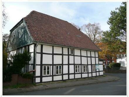 Echter Handwerker gesucht! Modernisierungsbedürftiges Fachwerkhaus in Bad Oeynhausen-Rehme!