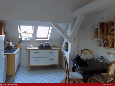 Neues Kapitalanlageobjekt: helle 2 Zimmer-Dachgeschoss-Wohnung!