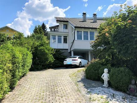 Elegante villa mit sensationellem Seeblick.
