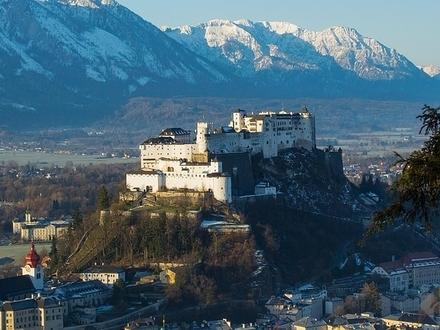 Rarität: Moderne Designer-Villa im Edelrohbau in sehr beliebter Lage von Salzburg